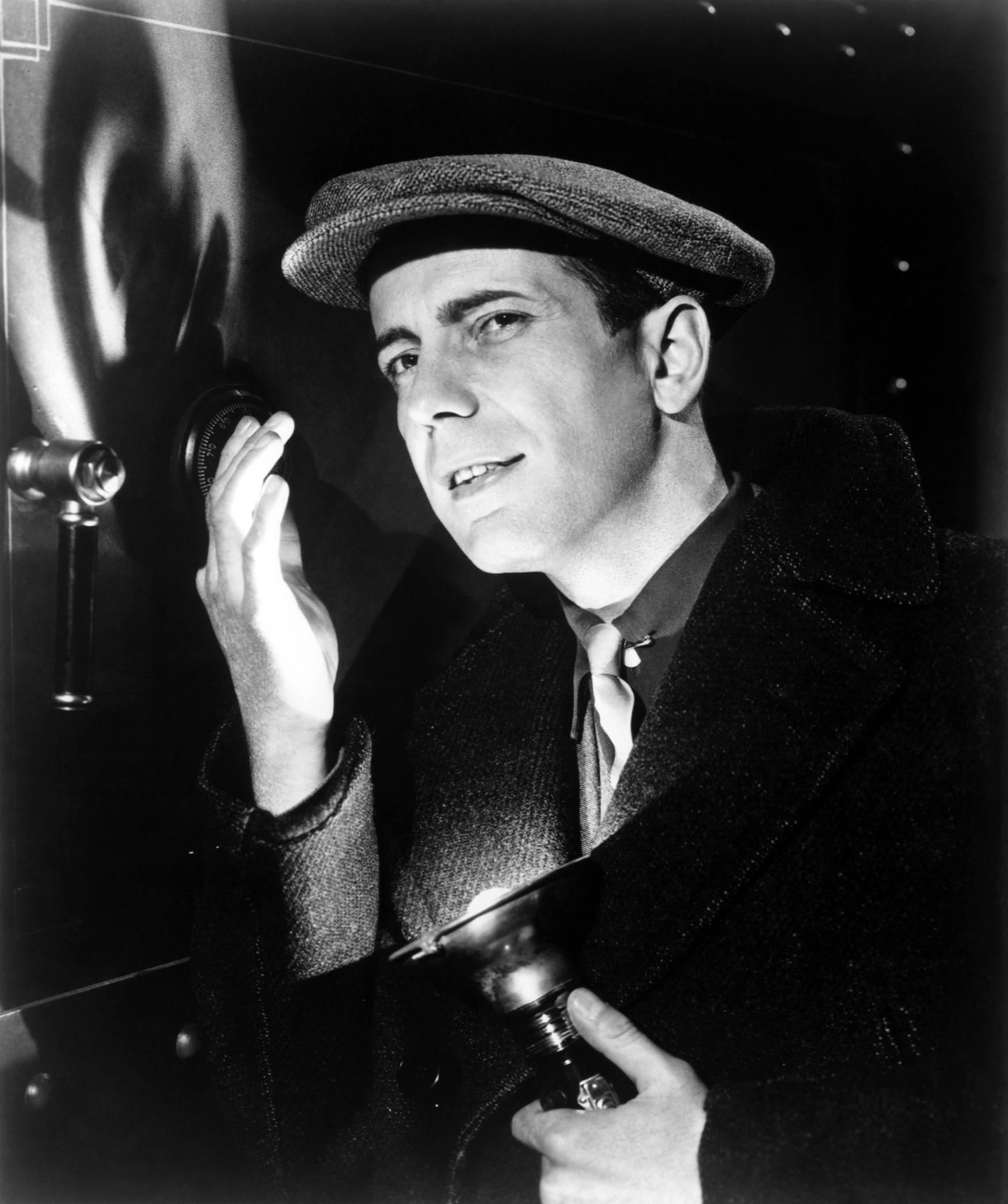 Humphrey Bogart in The Amazing Dr. Clitterhouse (1938)