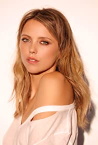 Primary photo for Riley Voelkel