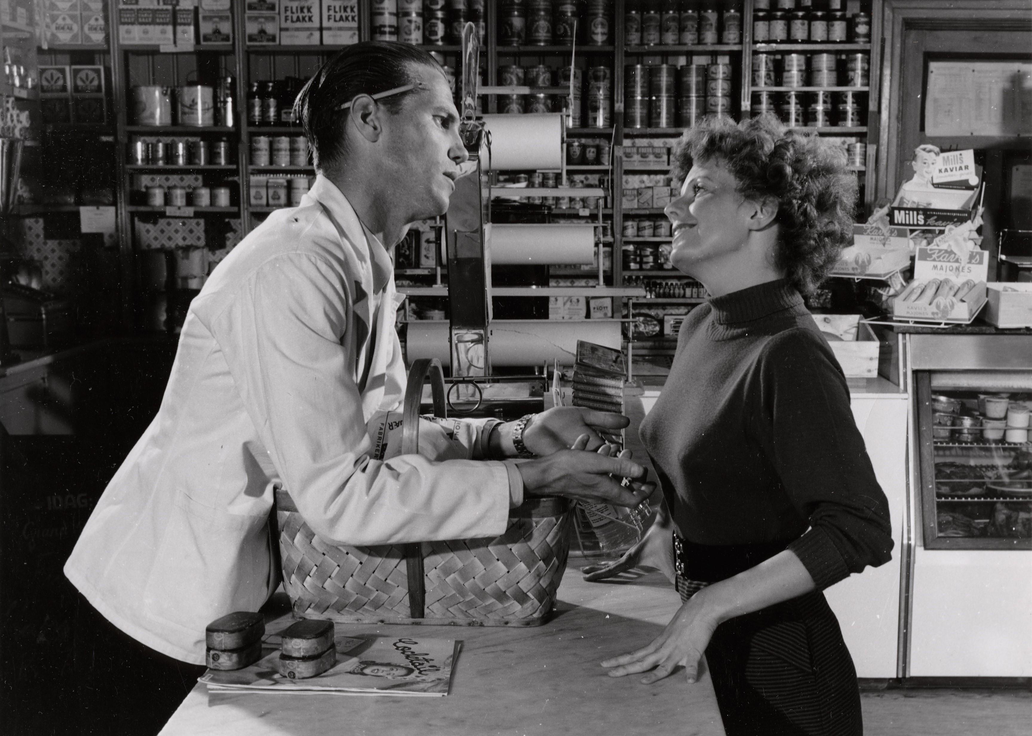 Grete Nordrå in Trost i taklampa (1955)