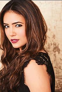 Dana De La Garza Picture