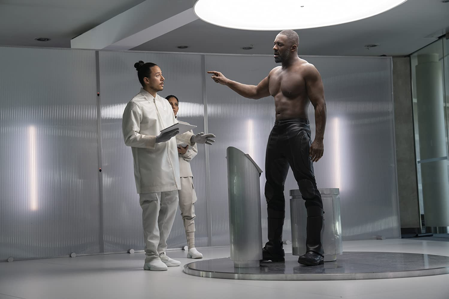 Idris Elba and Axel Nu in Fast & Furious Presents: Hobbs & Shaw (2019)
