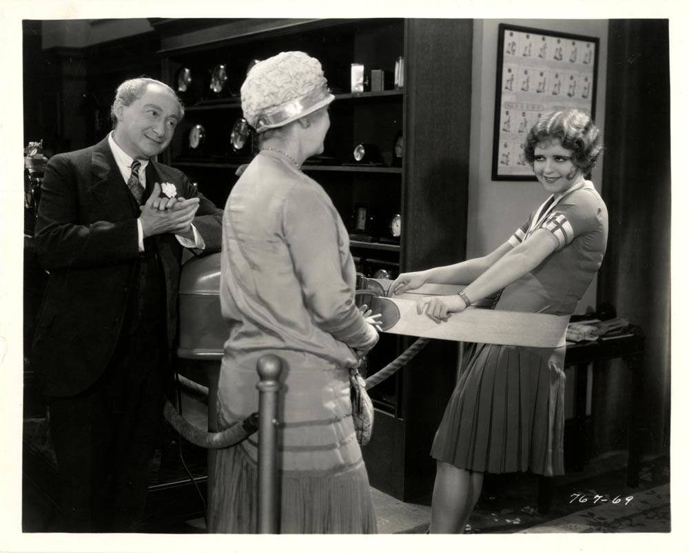 Clara Bow, Mary Gordon, and Hyman Meyer in The Saturday Night Kid (1929)