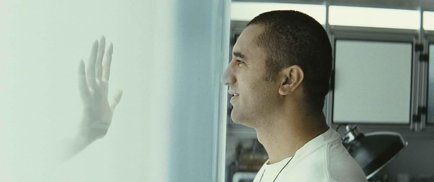 Cliff Curtis in Sunshine (2007)