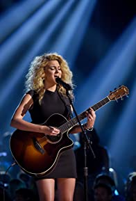 Primary photo for Tori Kelly