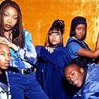 Shar Jackson, Brandy Norwood, Lamont Bentley, Fredro Starr, and Countess Vaughn in Moesha (1996)