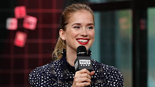 "BUILD: Elizabeth Lail Had a Very Awkward Skype Audition for ""Once Upon a Time"""
