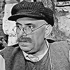 Orestis Makris in To koritsi tis geitonias (1954)
