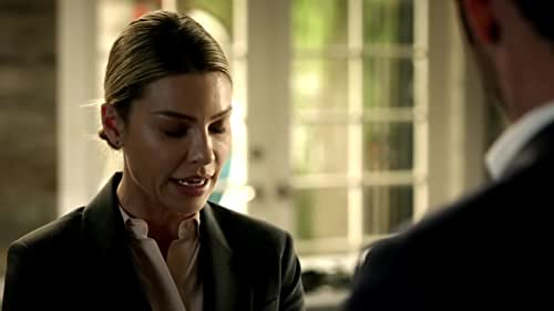 Lucifer: Lucifer Shows His Support For The Decker Family