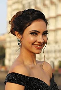 Pooja Banerjee Picture