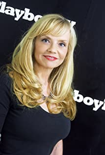 Kelli Maroney Picture
