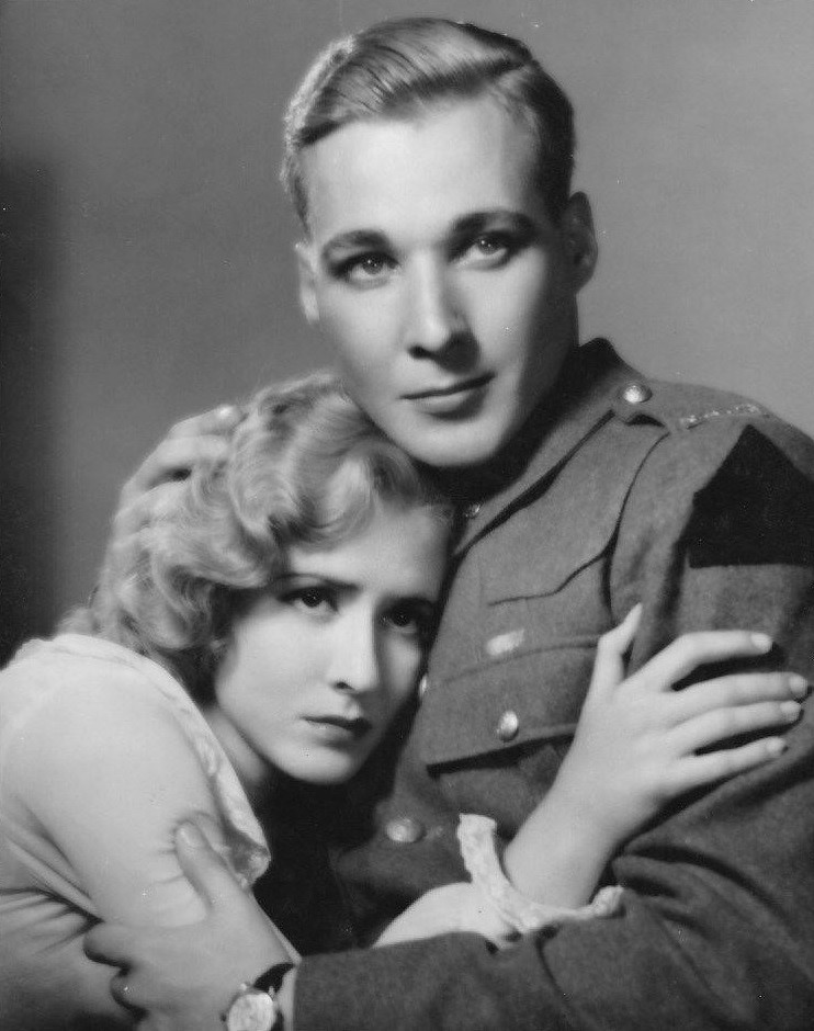 Mae Clarke and Douglass Montgomery in Waterloo Bridge (1931)