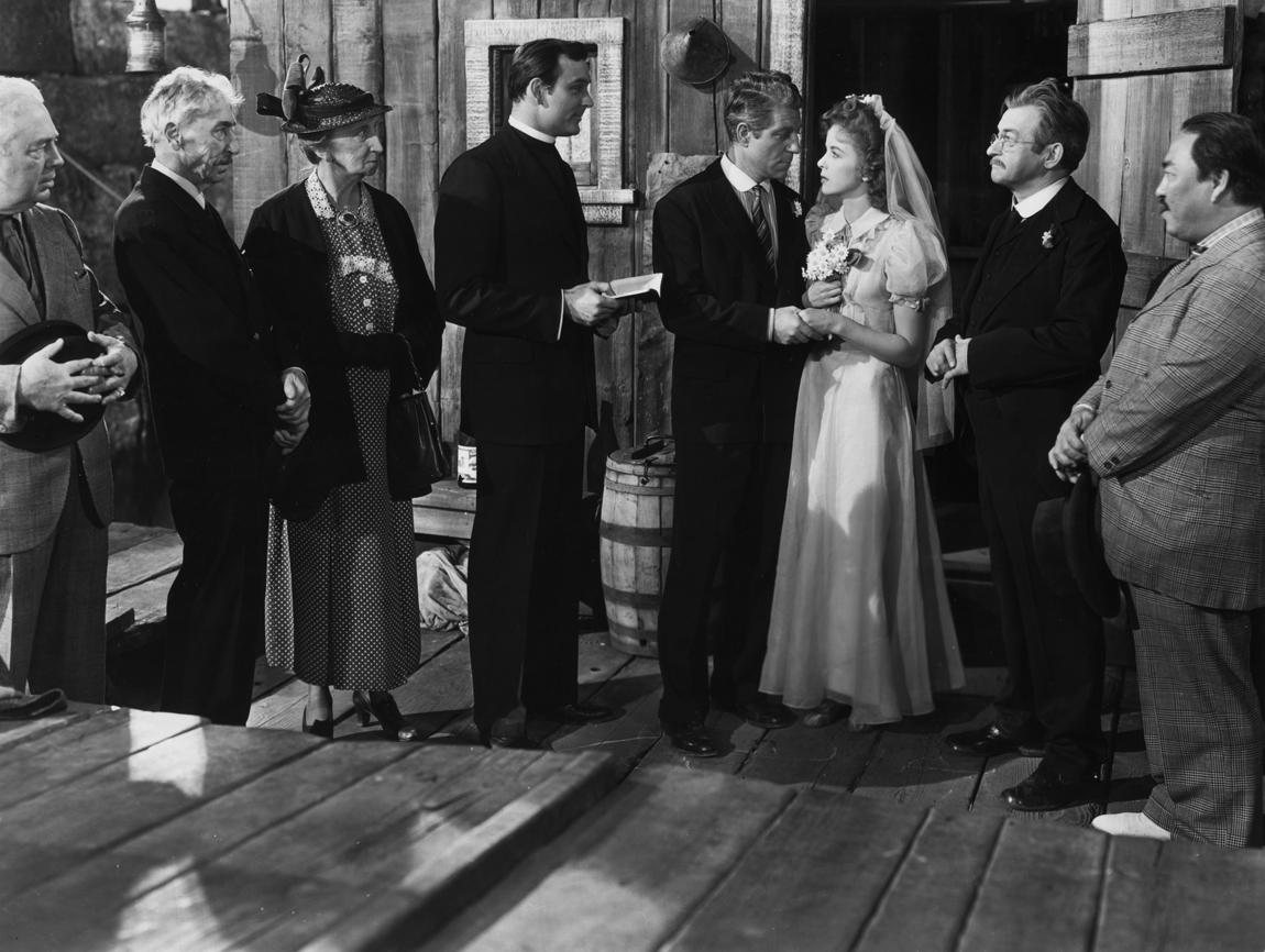 Claude Rains, Ralph Byrd, Jean Gabin, Chester Gan, Vera Lewis, Ida Lupino, and Tully Marshall in Moontide (1942)
