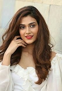 Aakanksha Singh Picture