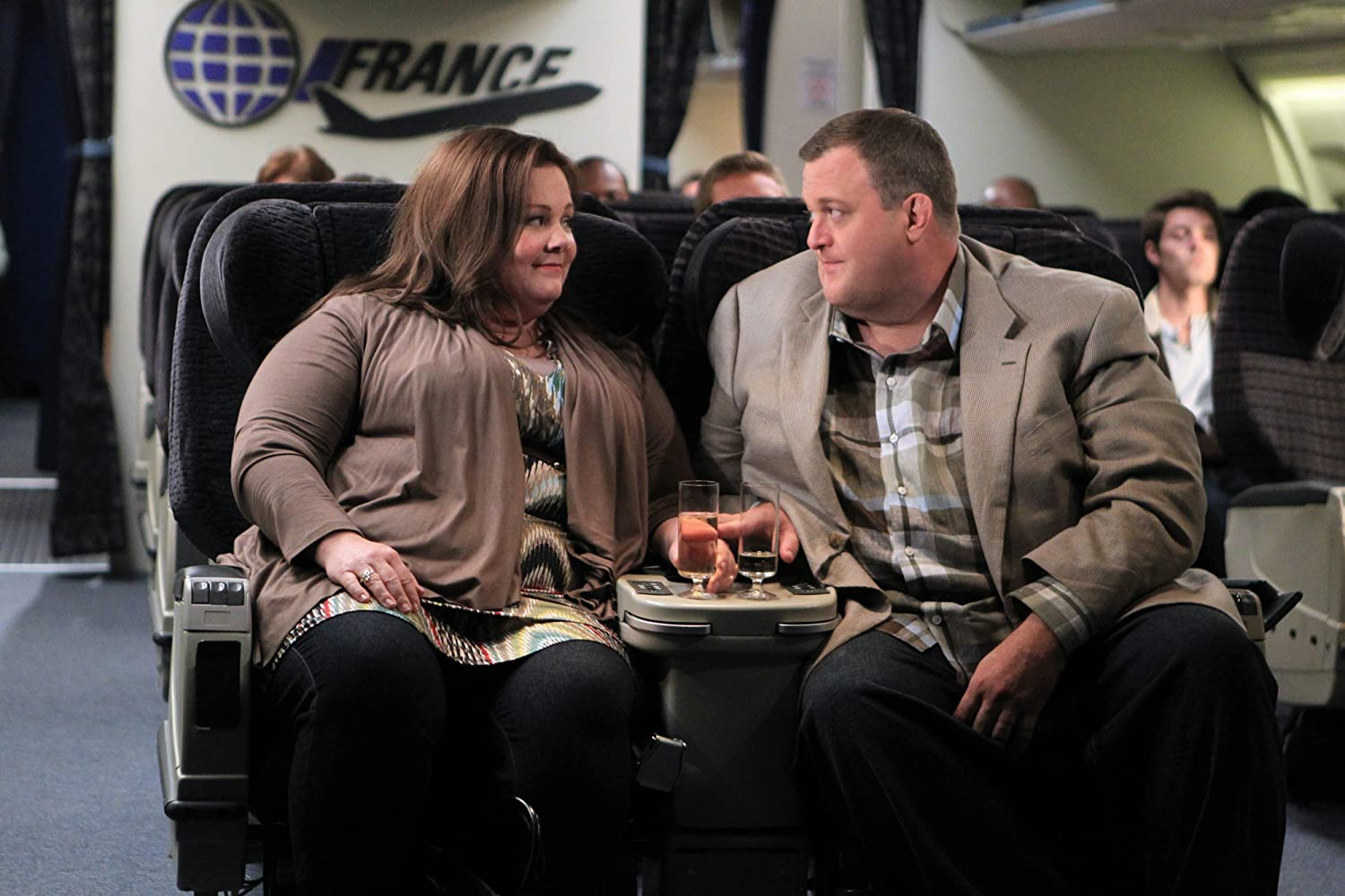 Melissa McCarthy and Billy Gardell in The Honeymoon Is Over (2012)
