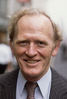 Gordon Jackson Picture