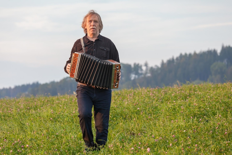 Jaromír Nohavica in Muzzikanti (2017)