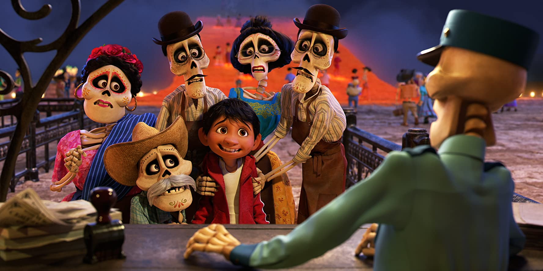 Alfonso Arau, Selene Luna, Dyana Ortelli, Herbert Siguenza, and Anthony Gonzalez in Coco (2017)