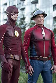 John Wesley Shipp and Grant Gustin in The Flash (2014)