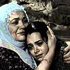 Özgü Namal and Emel Göksu in Mutluluk (2007)