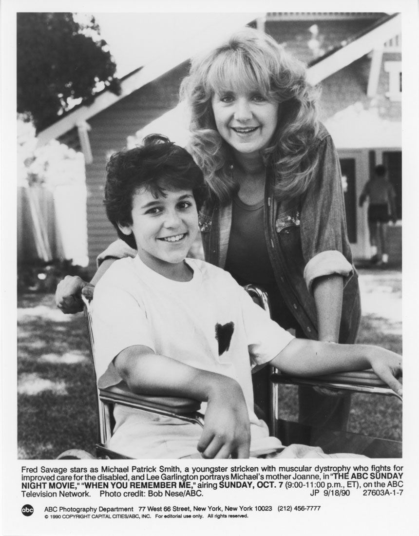 Fred Savage and Lee Garlington in When You Remember Me (1990)