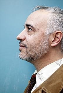 Javier Fuentes-León Picture