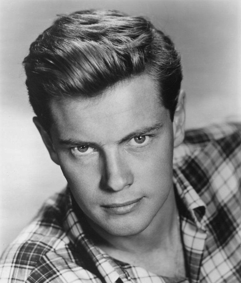 Troy Donahue in Live Fast, Die Young (1958)