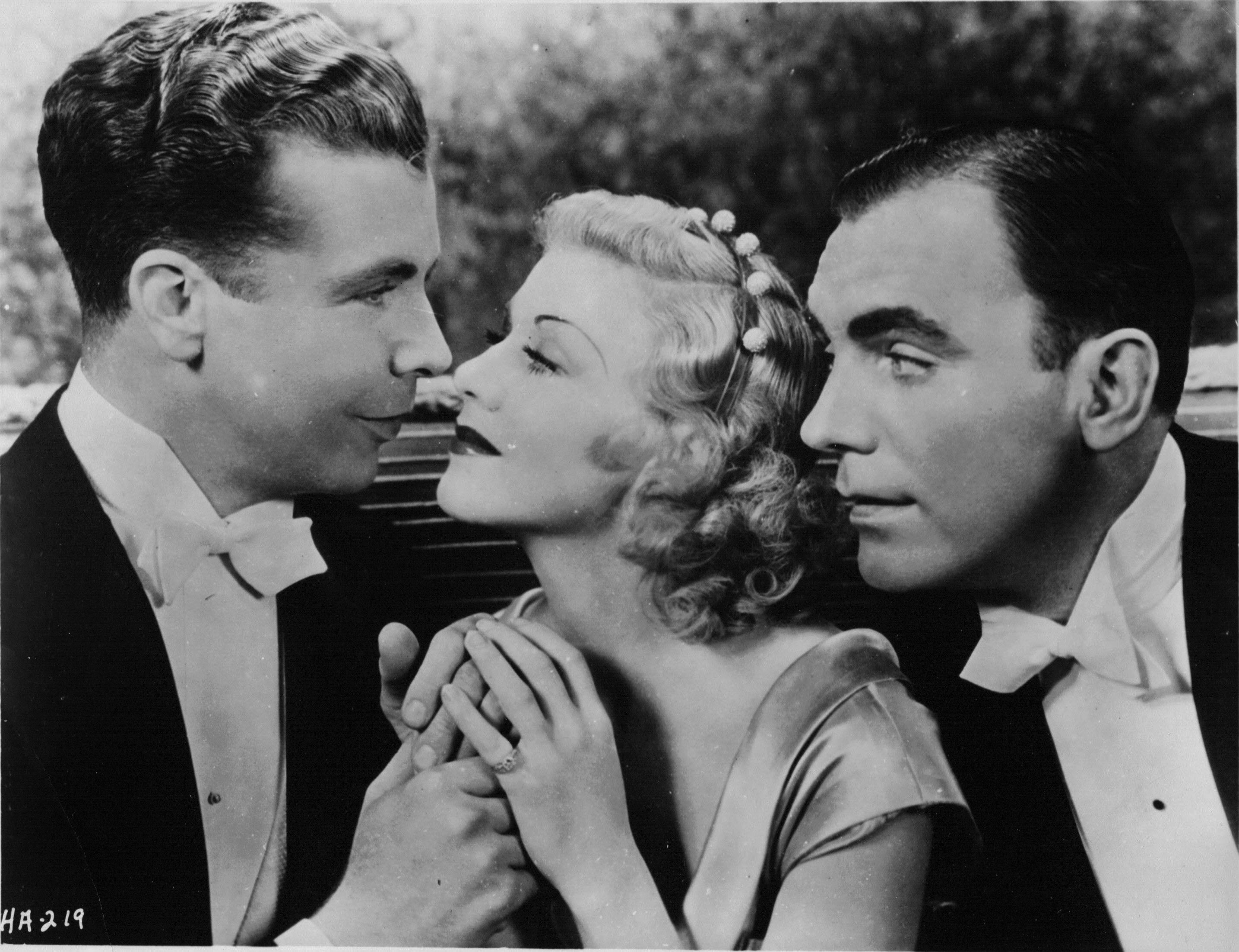 Ginger Rogers, Pat O'Brien, and Dick Powell in Twenty Million Sweethearts (1934)
