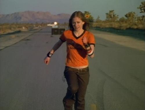 دانلود زیرنویس فارسی فیلم Avril Lavigne: Mobile