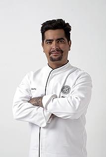 Aarón Sánchez Picture