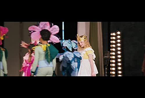 "Phoebe in Wonderland: ""The Performance"""