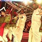 Thesingu Rajendar and Vijay Sethupathi in Kavan (2017)