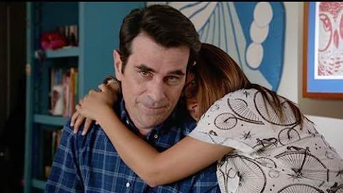 Trailer for Modern Family: Season 5