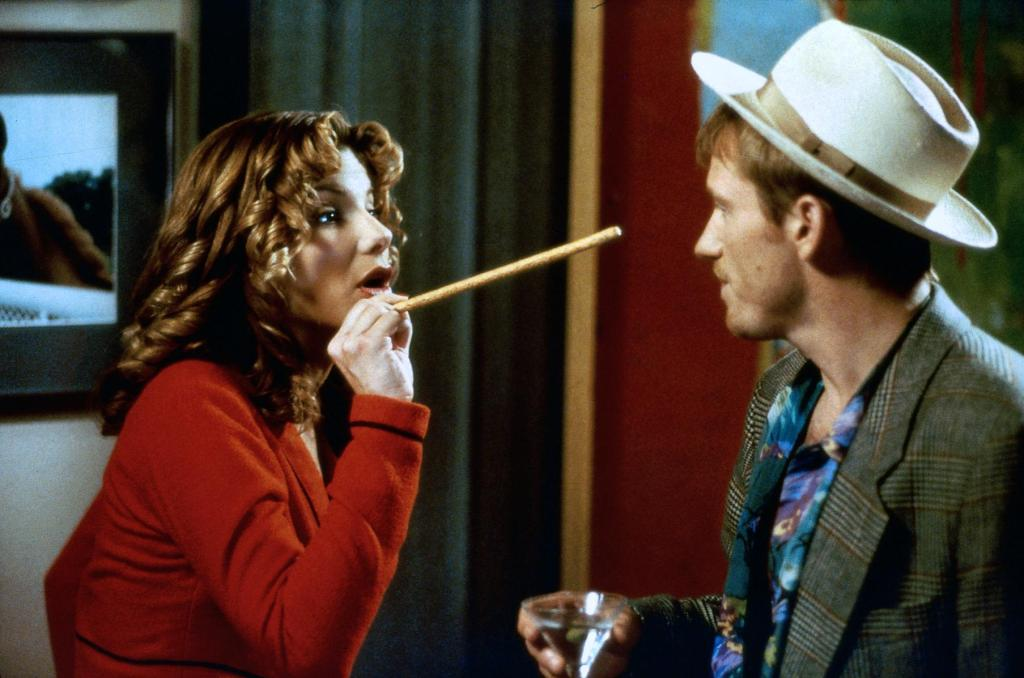 Sandra Bullock and Denis Leary in Two If by Sea (1996)