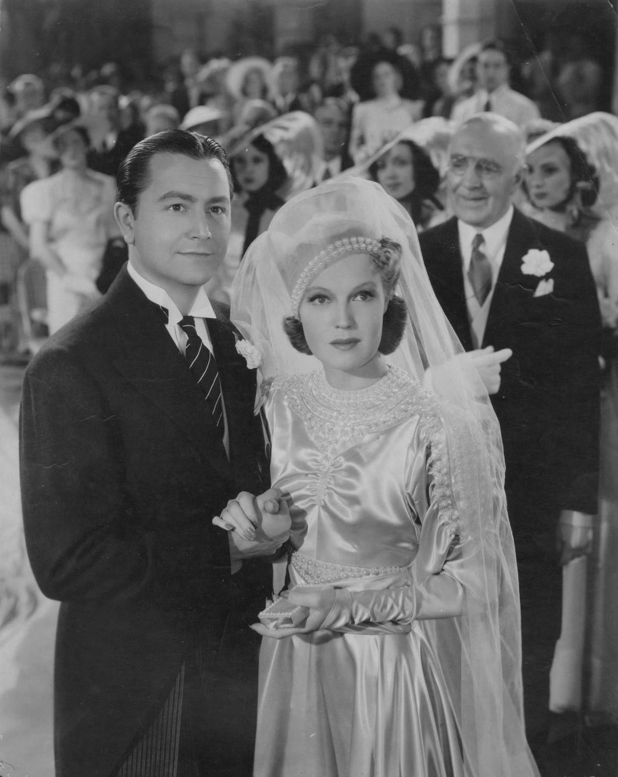 Robert Young and Rita Johnson in Honolulu (1939)