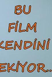 Bu Film Kendini Çekiyor Poster