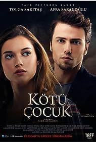 Tolga Saritas and Afra Saraçoglu in Kötü Çocuk (2017)