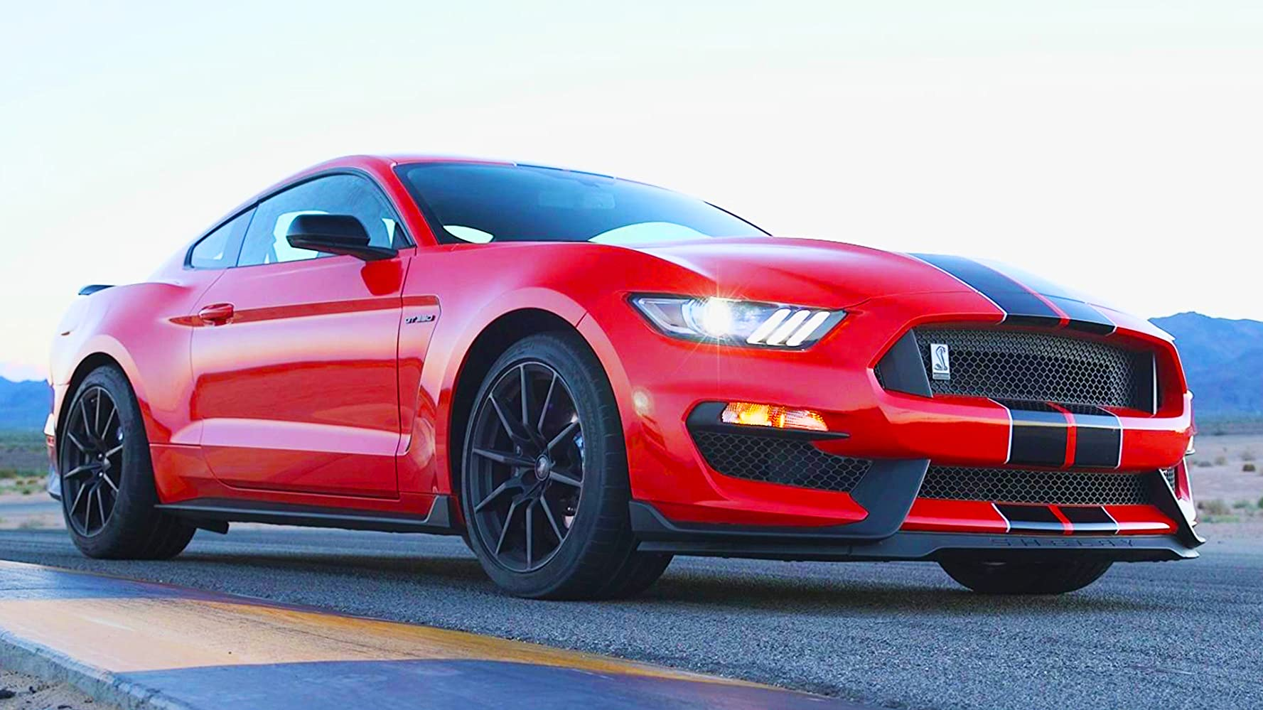 2016 ford mustang shelby gt350 an 8200 rpm muscle car to shame