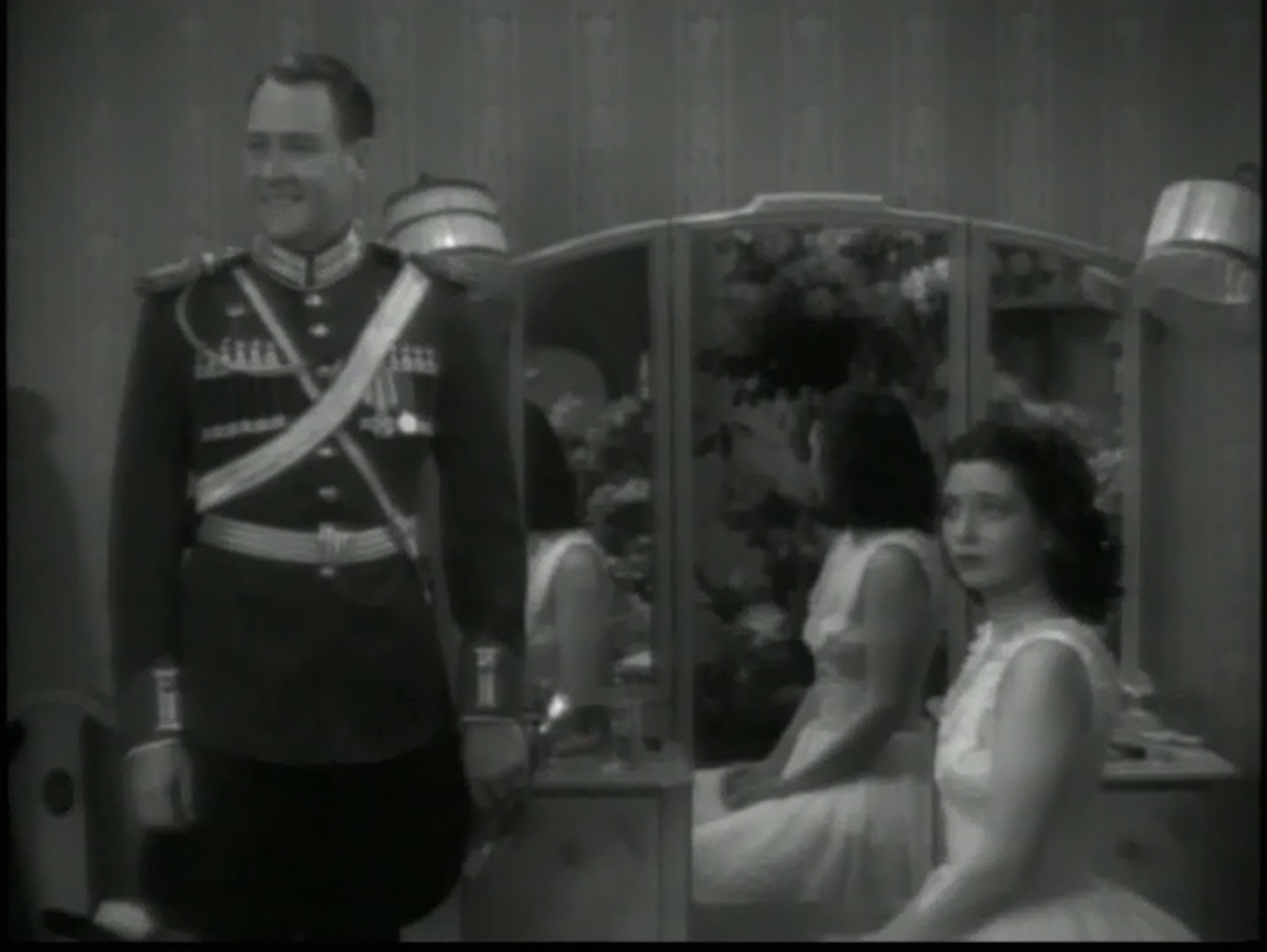 Kay Francis and Ian Hunter in Confession (1937)
