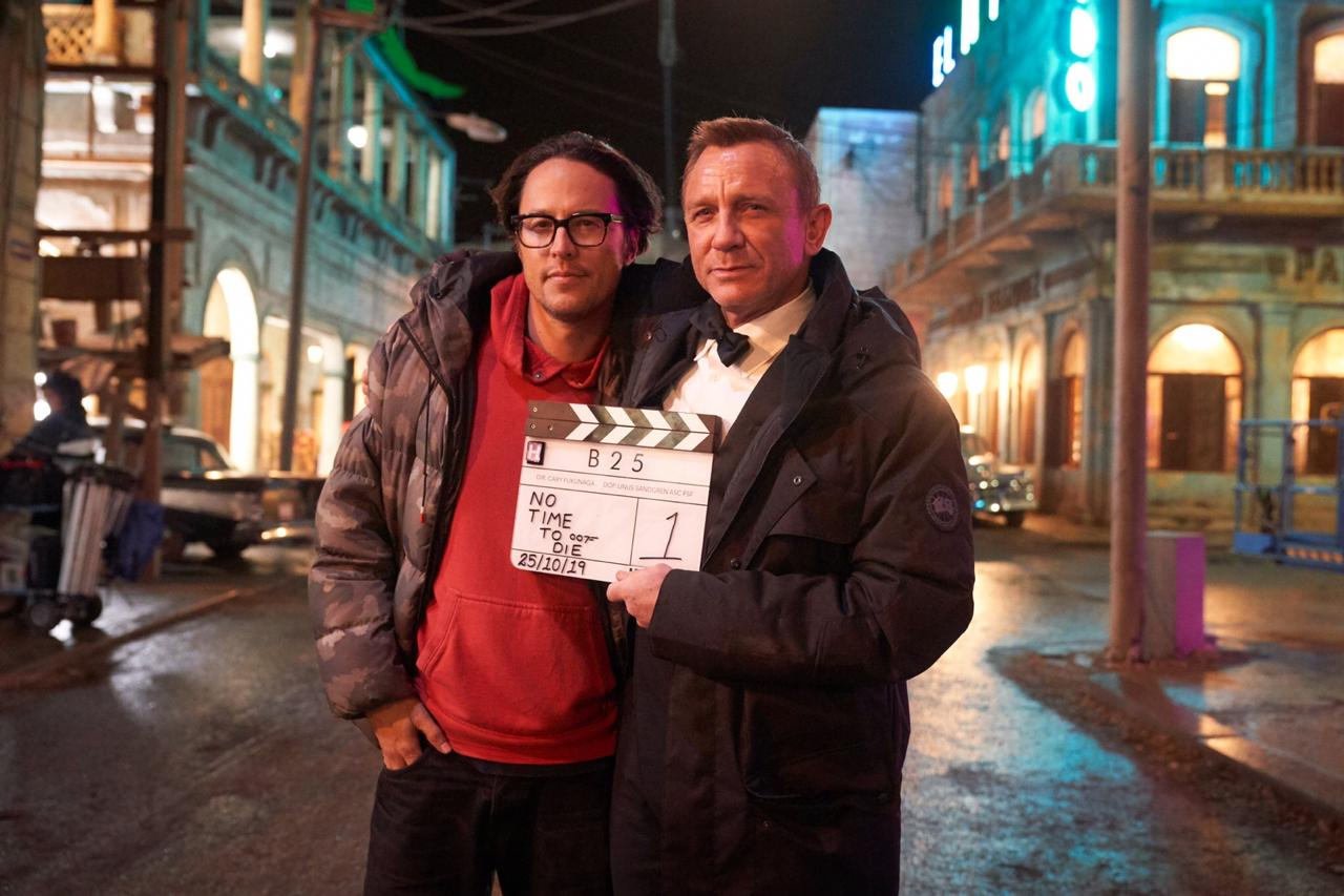 Daniel Craig and Cary Joji Fukunaga in No Time to Die (2021)