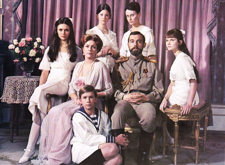 Lynne Frederick, Fiona Fullerton, Candace Glendenning, Michael Jayston, Ania Marson, Roderic Noble, and Janet Suzman in Nicholas and Alexandra (1971)