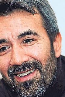 Zeki Demirkubuz Picture