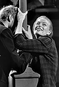 Frederik van Pallandt and Nina van Pallandt in Snip, snap, snude - en omvendt historie (1964)