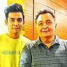 Rishi Kapoor and Ashrut Jain in Mulk (2018)