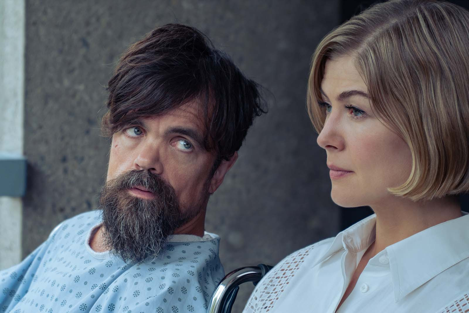 Peter Dinklage and Rosamund Pike in I Care a Lot (2020)