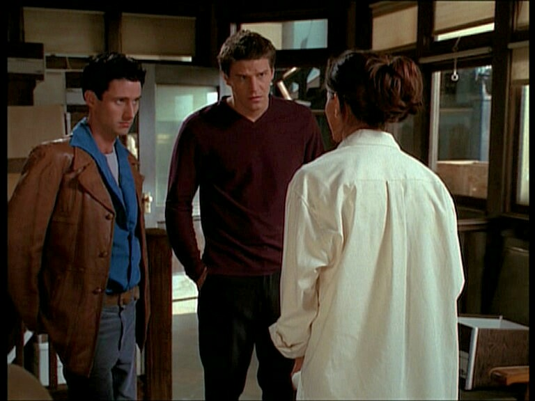 David Boreanaz, Charisma Carpenter, and Glenn Quinn in Angel (1999)