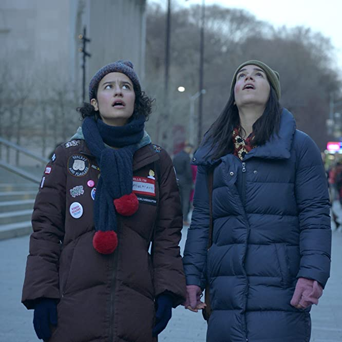 Abbi Jacobson and Ilana Glazer in Broad City (2014)