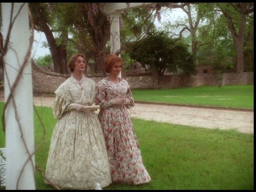 Ann-Margret and Charlotte Moore in Queen (1993)