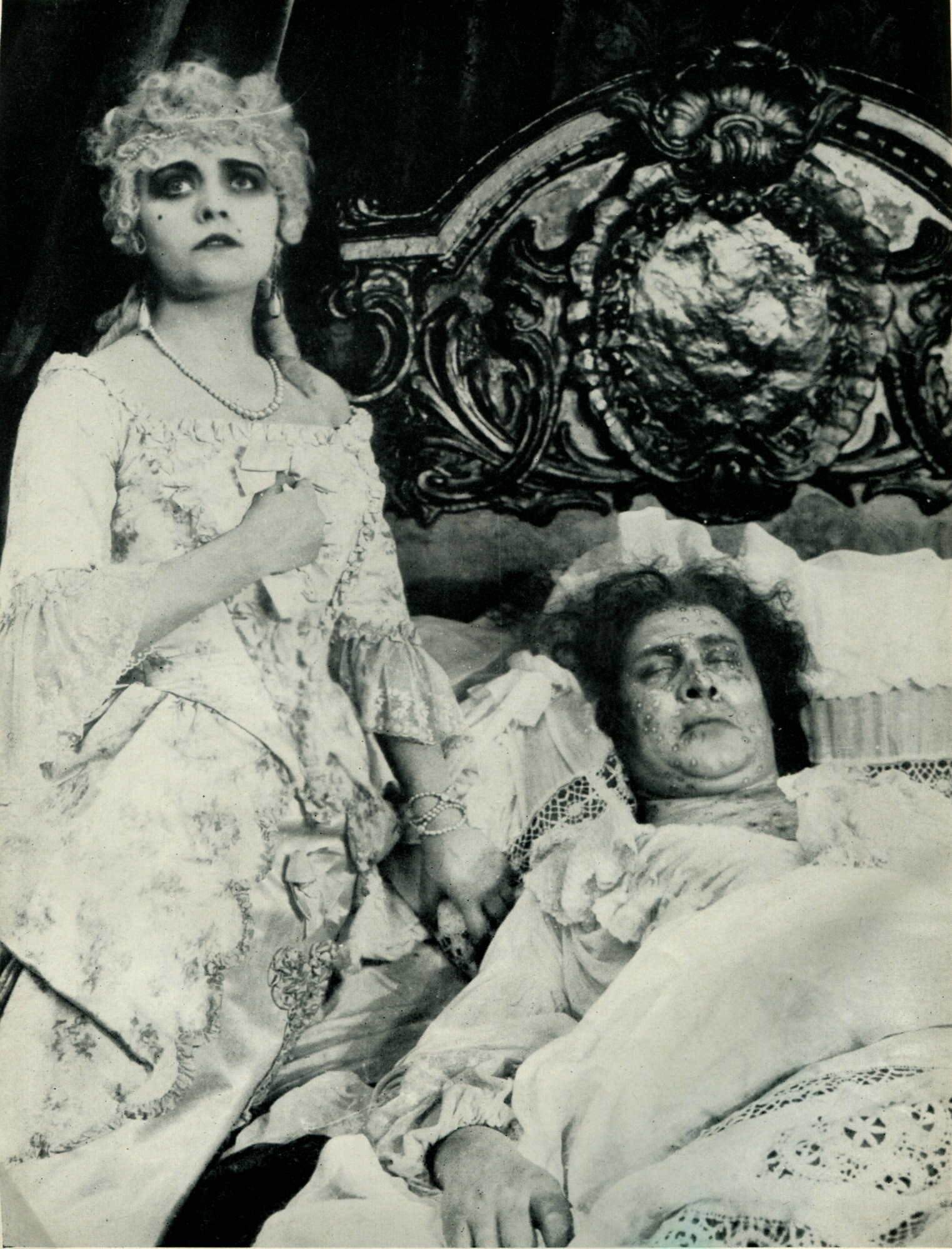Emil Jannings and Pola Negri in Madame DuBarry (1919)