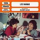 Juliette Binoche and Marie-France Pisier in Les nanas (1985)