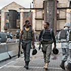Anthony Mackie and Damson Idris in Outside the Wire (2021)